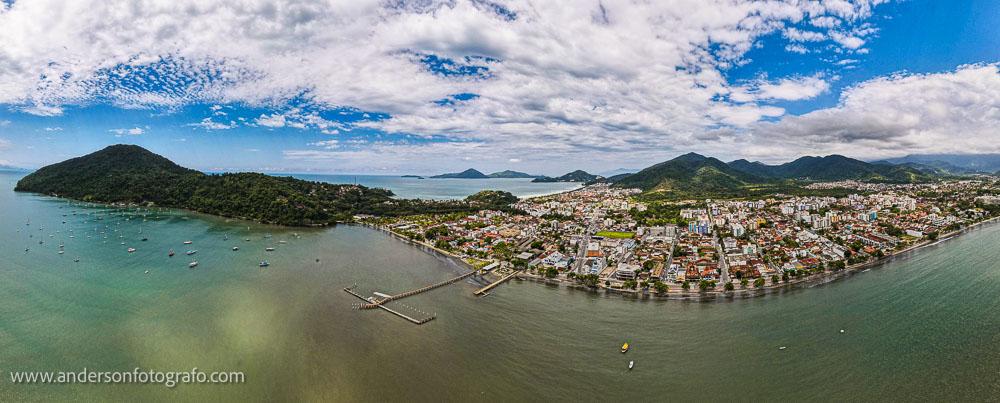Ubatuba Pier Comodoro Magalhães - Drone
